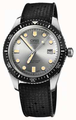 Oris Mens Divers Sixty-Five Rubber Strap Watch 01 733 7720 4051-07 4 21 18